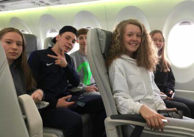 Riga 4 im Flugzeug